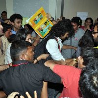 Ranbir Kapoor and Team Rockstar makes NMIMS students go berserk!