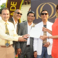 AUDELADE INAUGURAL MILLION RACE DAY - Bipasha Basu