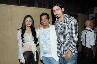 29. Aanchal Kumar, Shakir Shaikh with Shawar Ali DSC_8805