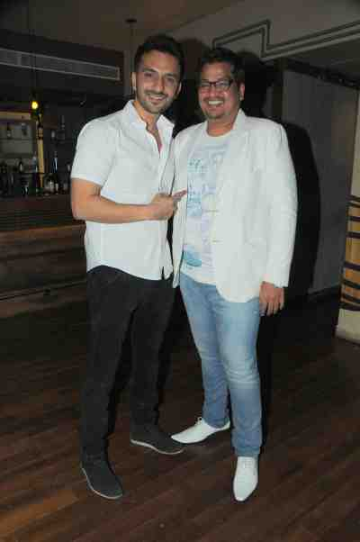 9. Ali Merchant with Shakir Shaikh DSC_8235