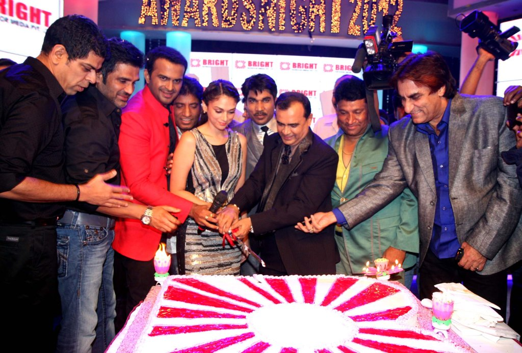 murli sharma,sunil shetty,siddarth,raju,aditi,yogesh,Satish & ali khan