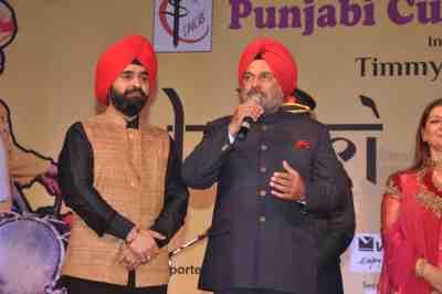 Charan-Singh-Sapra-with-Governer-of-Arunachal-Pradesh-General-J.J.-Singh
