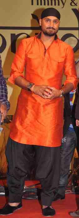 Harbhajan-Singh-at-Lohri-Di-Raat