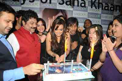 kapil mehra, sana khan, rajiv and delnaa_1