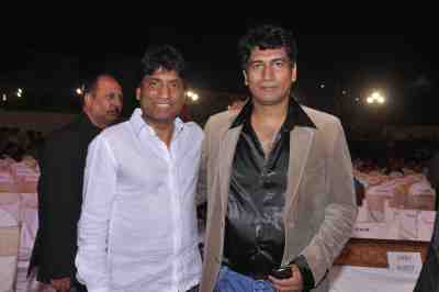 Raju-Shrivastav-with-Producer-Satish-Reddy-at-Lohri-Di-Raat