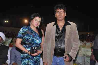Shradha-Sharma-with-Producer-Satish-Reddy-at-Lohri-Di-Raat