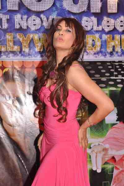 Vandana-Vadera-at-The-City-That-Never-Sleeps-Bollywood-Hunt