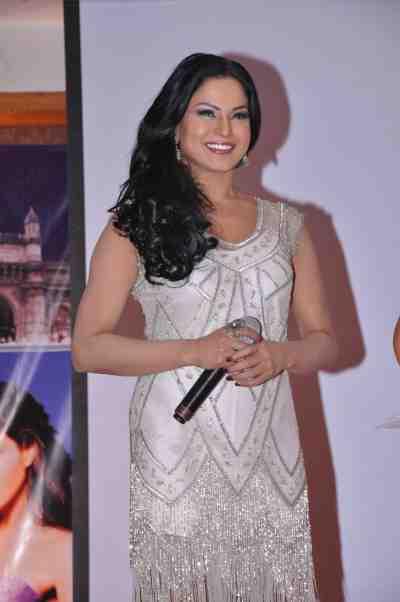 Veena-Malik-The-City-That-Never-Sleeps-Bollywood-Hunt.4.j6