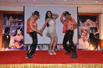Veena-Malik-The-City-That-Never-Sleeps-Bollywood-Hunt.5