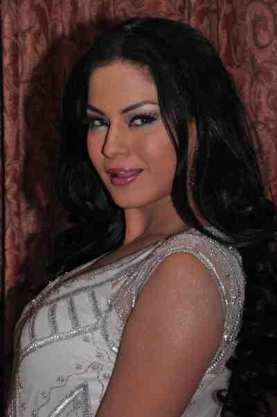 Veena-Malik--The-City-That-Never-Sleeps-Bollywood-Hunt3