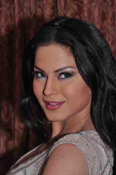 Veena-Malik--The-City-That-Never-Sleeps-Bollywood-Hunt8