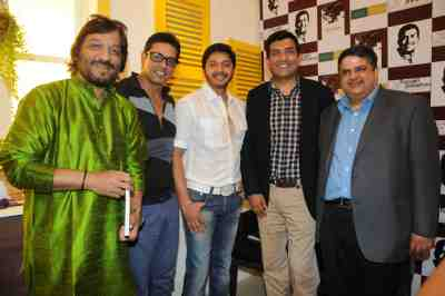 17. Roop Kumar Rathod, Anoop Soni, Shreyas Talpade, Sanjeev Kapoor, and Harsha Bhatkal  DSC_4472