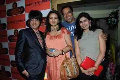 28. Rohhit VErma with Poonam Dhillon, Vindu DAra Singh and Shilpa Marigold DSC_1179