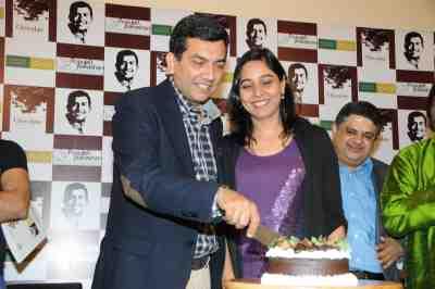 4a.  Sanjeev & Alyona Kapoor  celebrating DSC_4248