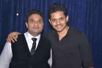 Stock Broker Mahavir Mehta poses with TV actor Jaisheel Dhami