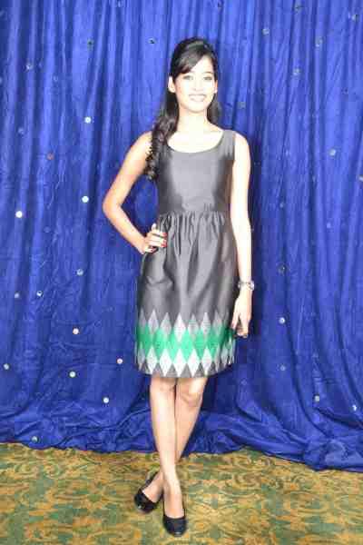 TV actor Neha Saxena (Amita Ka Amit) at Mahavir Mehta's anniversary bash..,