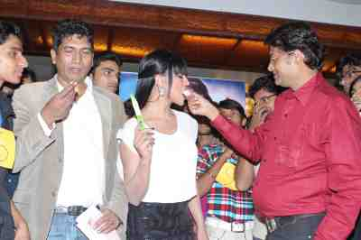 veena malik celebrating birthday with satish reddy and haroon rashid