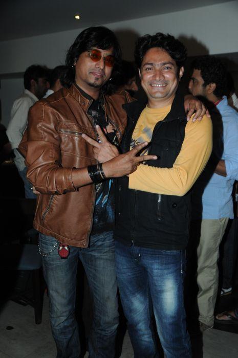 19. Aziz with Zubair Ahmed DSC_3215