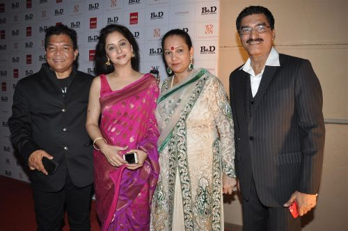 20. Bahadur, Mrinalini Kulkarni, Dorris and Suraj Godambe  DSC_0759