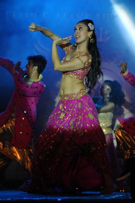 23. Hrishita Bhatt Performing DSC_9444