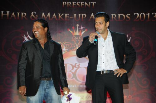 27. Raju Nag with Salman Khan DSC_9671