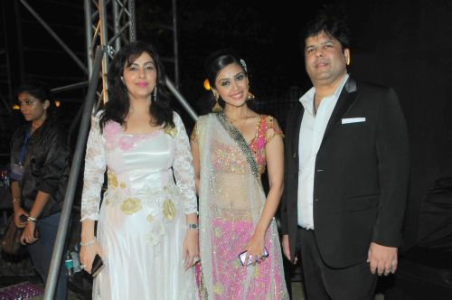 42. Mmonika Arora & Kapil Arora with Hrishita Bhatt DSC_9792