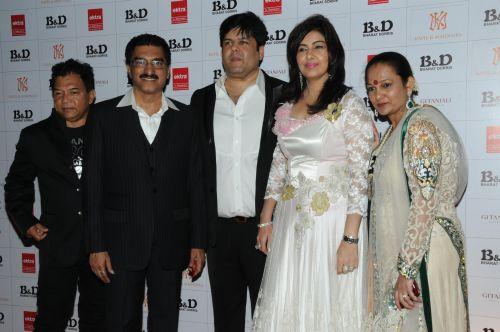 45. Bahadur, Bharat Godambe, Kapil and Mmonika Arora, and Dorris Godambe  DSC_8446