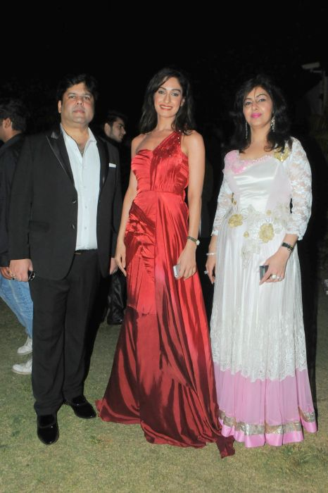 52. Kapil and Mmonika Arora with Tanya Malik DSC_9880