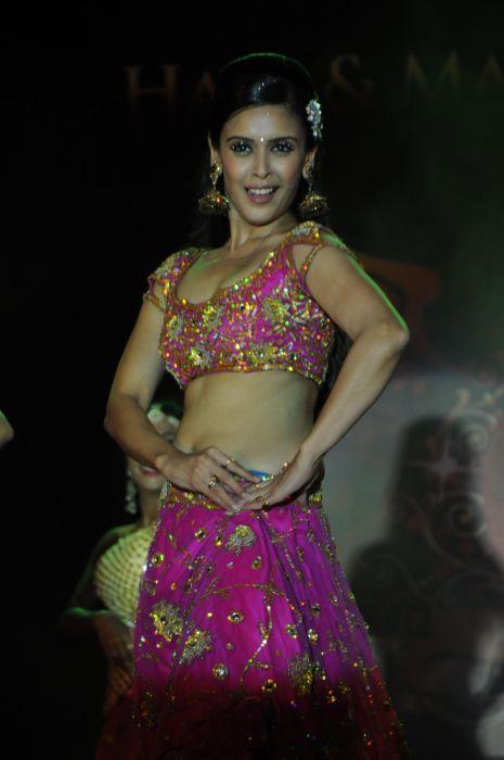65. Hrishita Bhatt Performing  DSC_9480