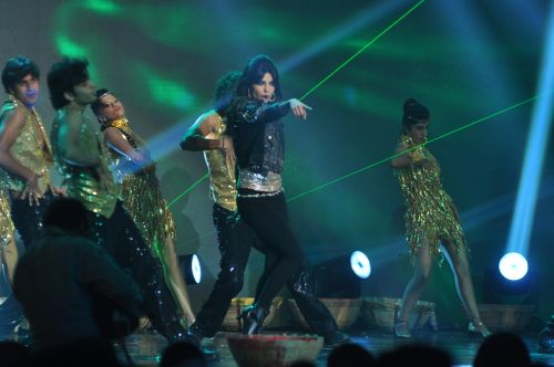 Priyanka Chopra Performing at the launch of Jai Maharashtra News Channel at Grand Hyatt ...
