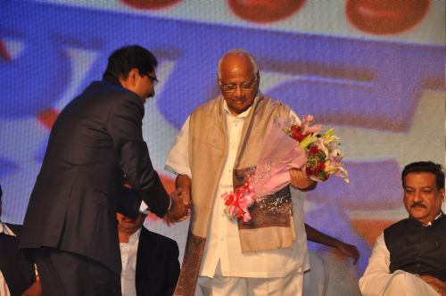 Sudhakar Shetty welcoming Sharad Pawar at the launch of Jai Maharashtra News Channel at Grand Hyatt