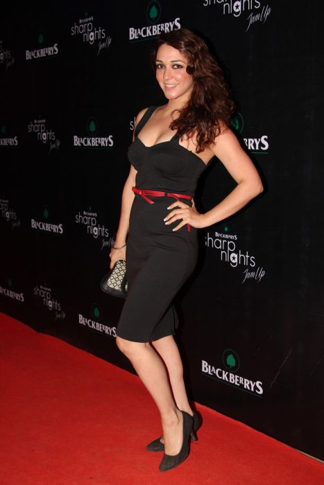 Nauheed Cyrusi at Blackberrys Sharp Nights for summer 13 collection launch