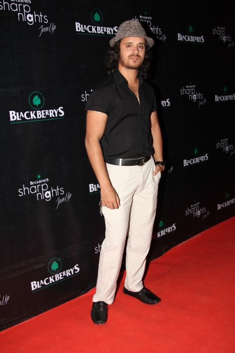 Raghav Sachar at Blackberrys Sharp Nights Jam up
