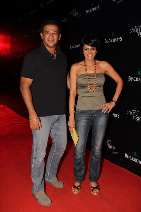 Raj Kaushal and Mandira Bedi at Blackberrys Sharp Nights for summer 13 collection launch