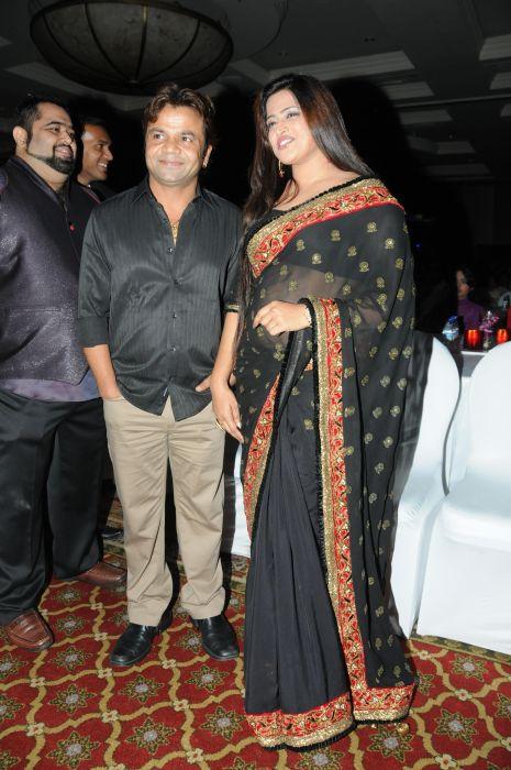 2. Shabana Hashmi & Rajpal Yadav DSC_9471