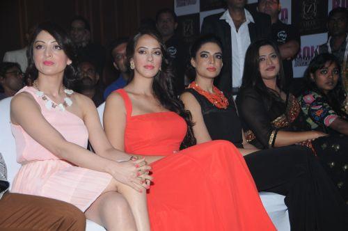 8. Sandeepa    Dhar, Hazel Keech, Shweta Bhardwaj, and Shabana Hashmi DSC_9726