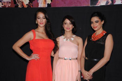 9. Hazel Keech, Sandeepa Dhar&   Shweta Bhardwaj,  DSC_9676
