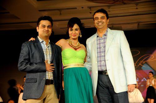 11. Kavita Verma with Vasant Savla DSC_5037