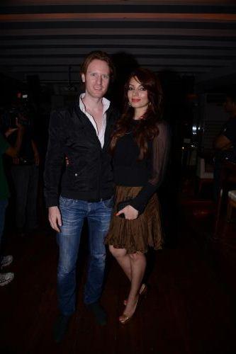 Alex O Neil and Shama sikander