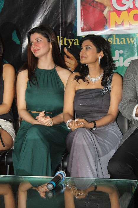 Kainaat Arora with Lalitya Munsha at event