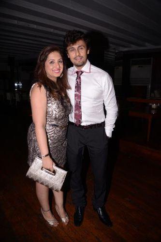 Munisha Khatwani and Sonu Nigam
