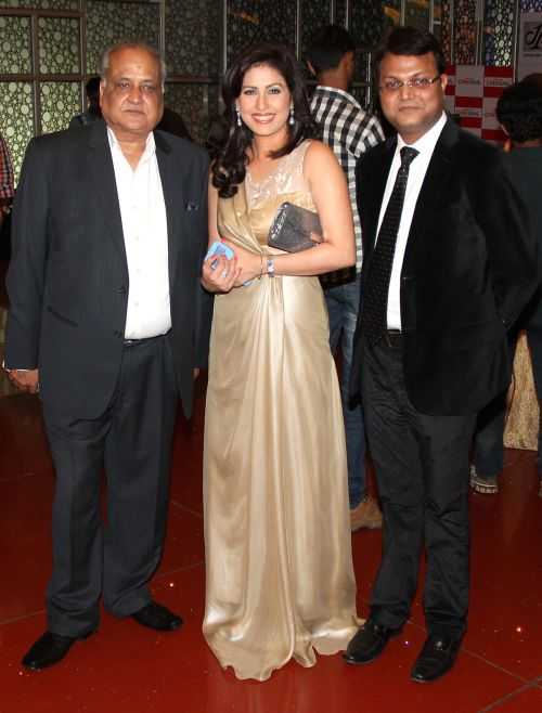 TP Agarwal, Amrita Raichand & Vibhu Agarwal at Baat Bann Gayi premiere