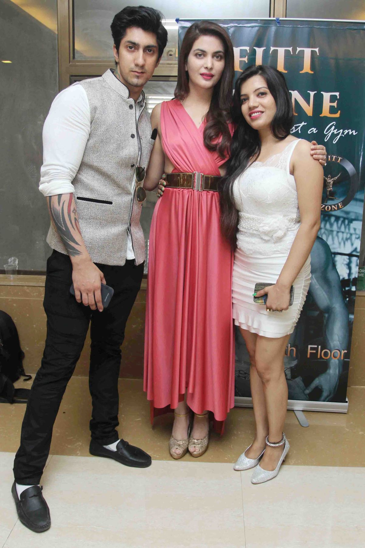 Karan Oberoi,Ankita Shorey & Monika