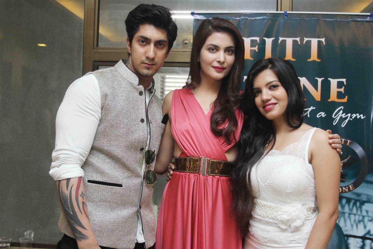Karan Oberoi,Ankita Shorey & Monika1