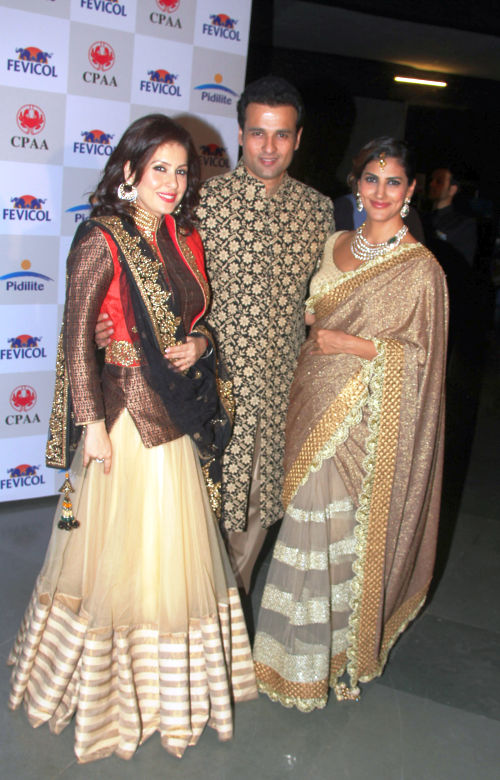 Amrita Raichand, Rohit Roy and Perizad Kolha at Cancer Patients Aid Association's fashion show by Shaina NC & Vikram Phadnis