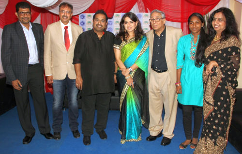 L-R - Mr. Atul Maru, Chairman, NSCI_  Mr. Rakesh Malhotra, Secretary, NSCI_ Shankar Mahadevan_ Shaina NC, Y.K Sapru, Chairman, CPAA_ Malthi Yogesh, cancer patient and Shailja- NGO