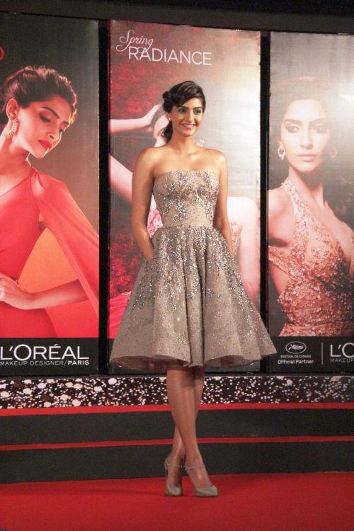 L'Oreal Paris brand ambassaor Sonam Kapoor with L'Or Lumiere looks
