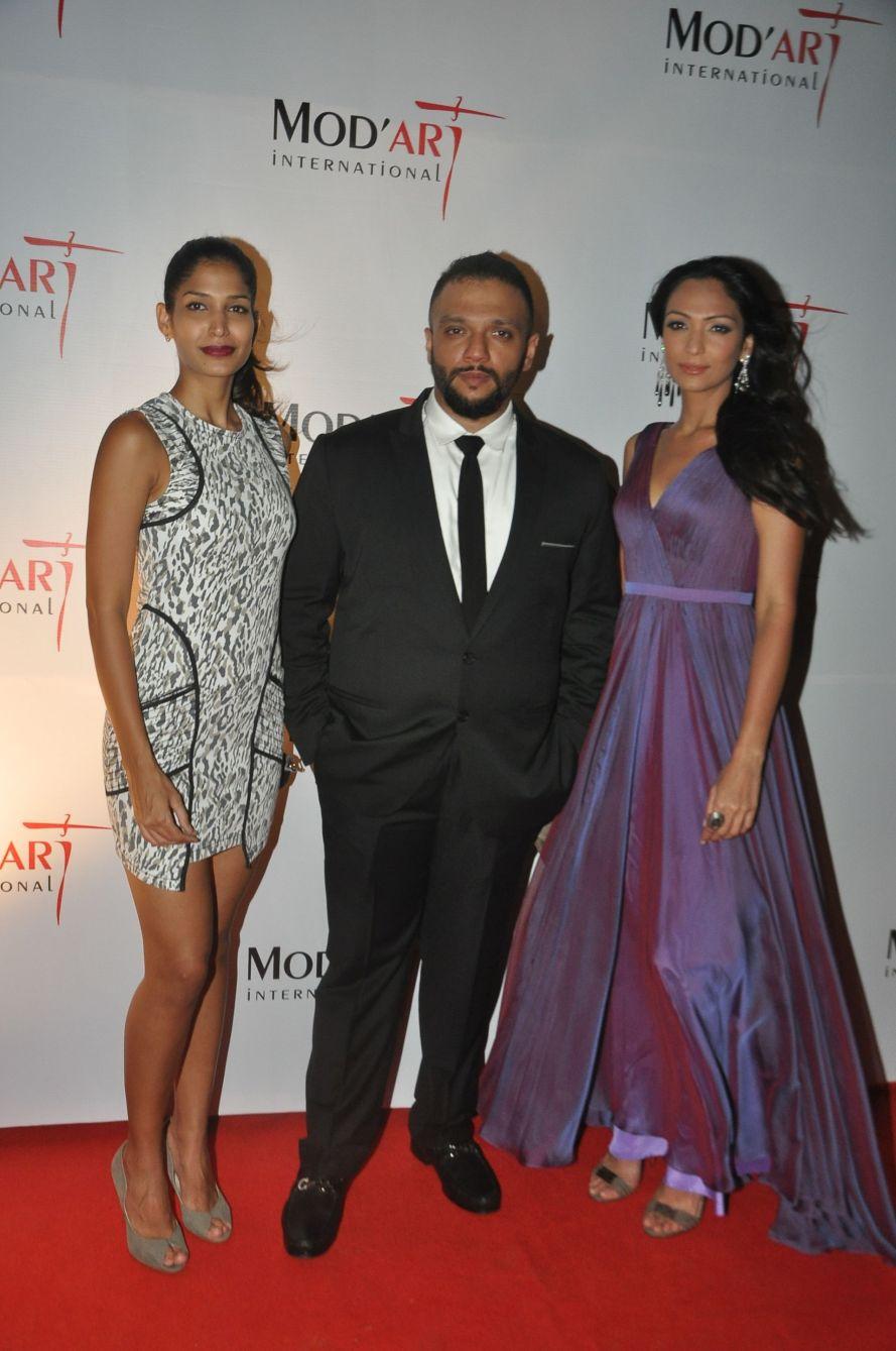 Mashooma Singha, Nishant Joshi, Shamita Singha