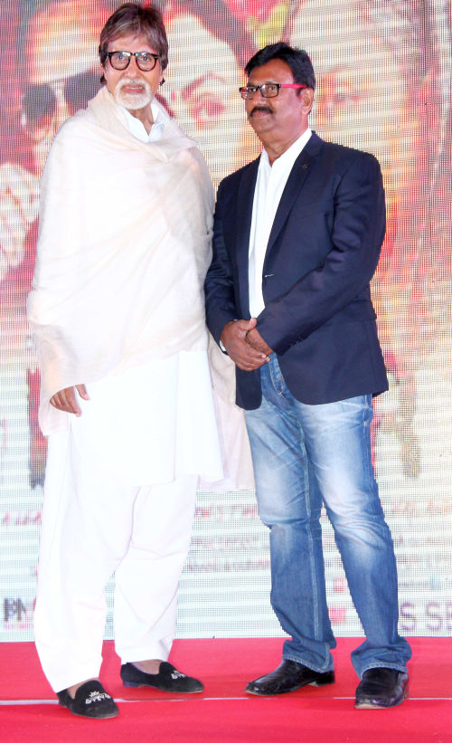 Producer Deepak Sawant with Mr amitabh Bachchan (3)