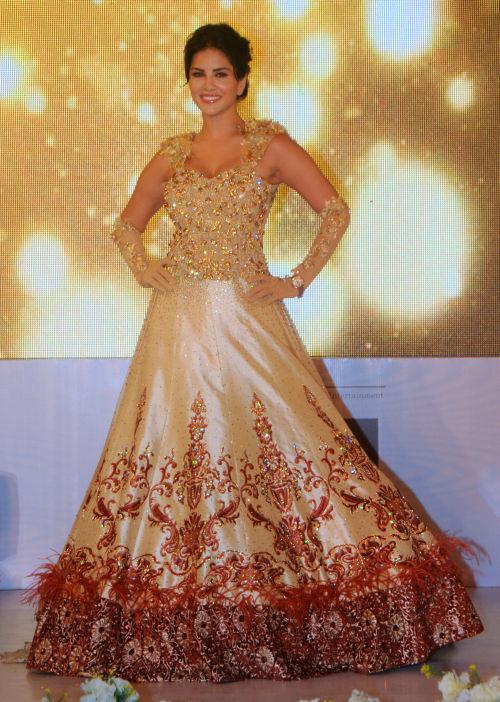 17. Sunny Leone DSC_1123